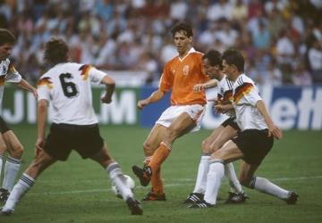 Un joueur, un palmarès : Marco van Basten (HOL)