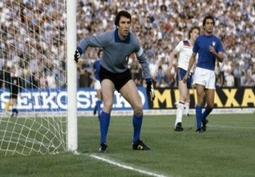 Un joueur, un palmarès : Dino Zoff (ITA)
