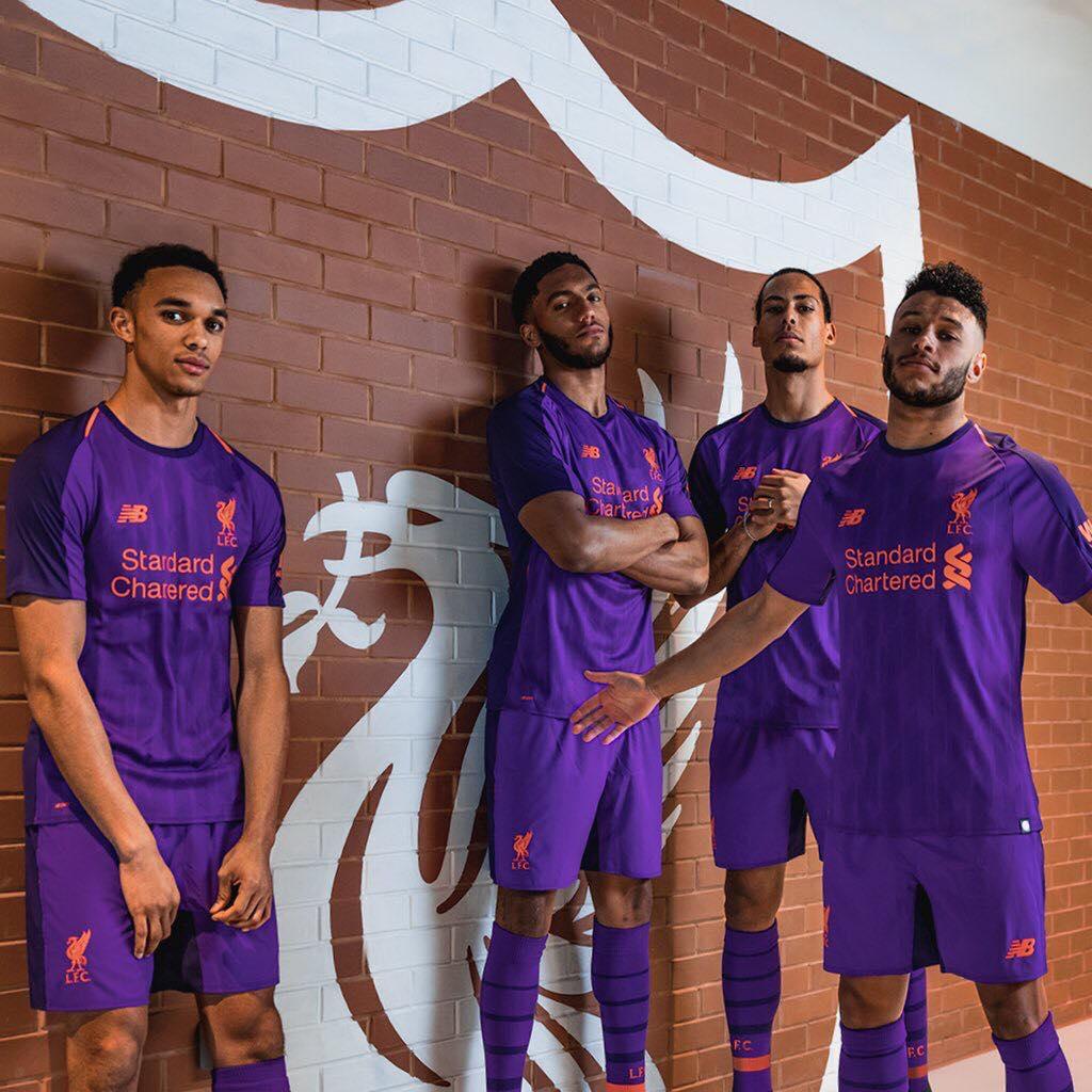 Liverpool dévoile son maillot extérieur