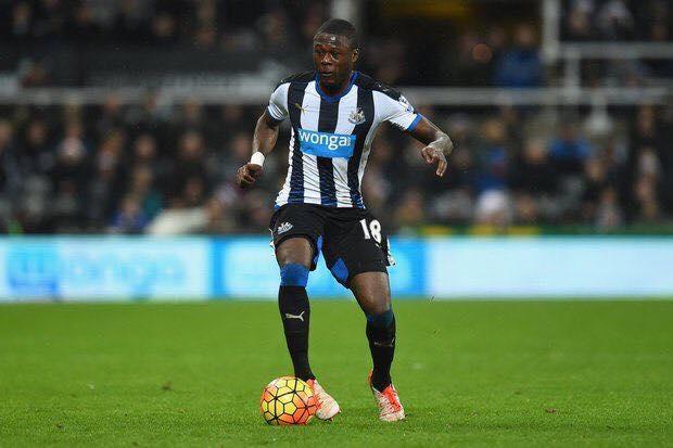 Mbemba (Newcastle) finalement vers Porto ?
