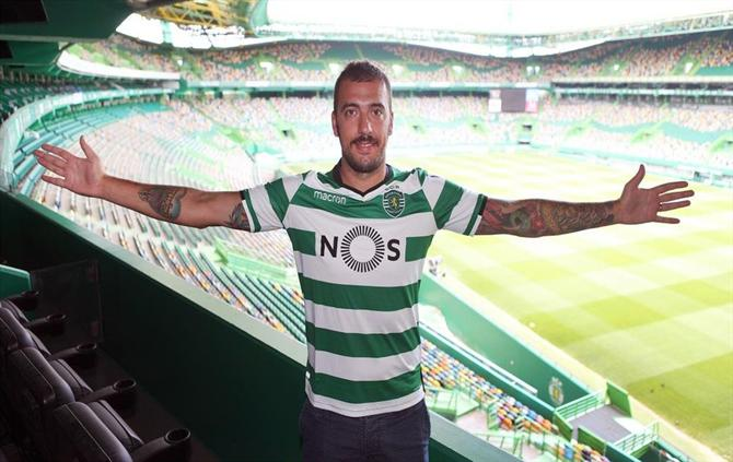 Emiliano Viviano signe au Sporting