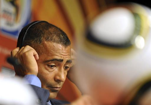 Divulgation interdite de photos supposées entre Romario et un trans